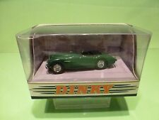 DINKY TOYS DY30 AUSTIN HEALEY 100 BN2 1956 RHD - GREEN 1:43 - NEAR MINT IN BOX