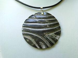 Blacklip carved pendant necklace