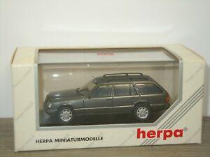 Mercedes E320 T Break - Herpa 1:43 in Box *42621