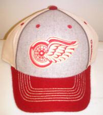 Detroit Red Wings NHL Reebok Flexfit Hat Size S/M