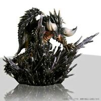 Monster Hunter World ps4 Limited collectors edition  Nergigante Statue figure