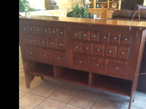 BOB TIMBERLAKE SOLID CHERRY HINGED TOP CABINET SERVER MADE USA LEXINGTON 833-867