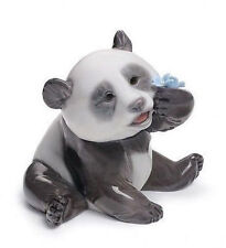 Lladro Porcelain : A Happy Panda (01008357)
