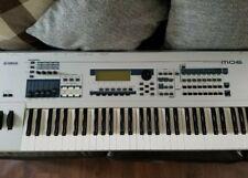 Yamaha Mo6 Production synthesizer