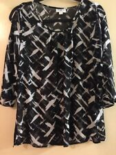 Size 12 Black & White Scoop Neck Spilt Sleeve Tunic Top, as New