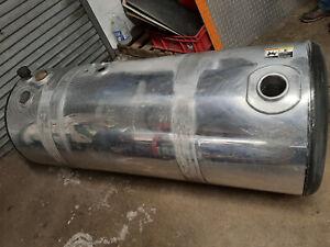 Peterbilt 579 2016 Used Split Fuel Tank