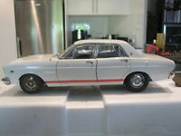 1:18 CLASSIC CARLECTABLES 18551 1967 FORD XR FALCON GT AVIS WHITE *NEW*