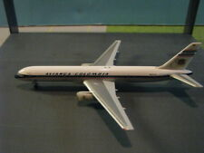 HERPA  AVIANCA COLUMBIA 80TH ANN. 757-200 WITH DISPLAY CASE 1:500 SCALE DIECAST