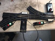 LIONEL 022 POST WAR  REMOTE CONTROL SWITCHES L/R with remotes 22