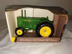 """1993 Blue Scale Replica Ertl John Deere 1949 Model """"AR"""" Tractor 1/16 #5680 (JD19"""