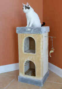 """32"""" Armarkat Cat Tree Condo House Bed Scratching Post Perch Tower Beige X3203"""