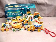 Macy's Thanksgiving Day Parade Lewis & Duck Family Wooden Pull Toy Bnib