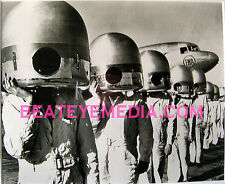 SPACEMAN PHOTOGRAPH-NASA,AIRLINES,SCIFI,ALIENS,ORIG ART