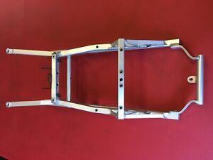 A10 Aprilia Mille RSV 1000 R Factory Bj04 Heckrahmen Heck Rahmen Alu