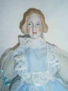 29cm VINTAGE BISQUE PARIAN TYPE LADY DOLL with VICTORIAN PLAIT & SNOOD HAIRSTYLE