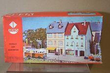 Vero 642 Ho Escala 2x antigua ciudad aldea Tienda de Station BAHNHOFSTRASSE 2 MC