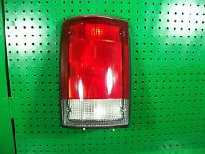 lf left ford econoline van e150 e250 e350 excursion tail light lamp bulb holder
