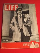 VINTAGE NOVEMBER 30,1942 LIFE MAGAZINE FEATURING 18 YEAR OLDS IN VN CONDITION