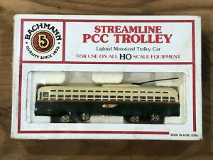 HO Bachmann  62945 Streamline Philadelphia PCC Lighted Motorized Trolley Car OB