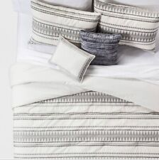 King Tatiana comforter set 2 shams, 2 dec. pillows and comforter Out Of Package