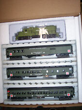 HO IHC MILITARY HOSPITAL TRAIN SET GP-20 LOCOMOTIVE W/3 PASSENGER CARS #20080-GP