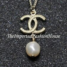 AUTHENTIC CHANEL CLASSIC WHITE PEARL DROP CHARM CC LOGO DANGLE GOLD NECKLACE NEW