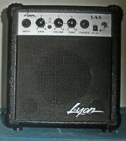Washburn Lyon LA5 Small Guitar Amplifier / Speaker w 9V Battery
