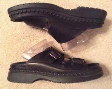 EUC! Men's Clarks Leather Upper Black Buckle Sandals Sz 8D