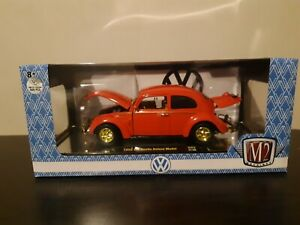 M2 Machines 1952 VOLKSWAGEN BEETLE DELUXE RED 1/24 Scale GOLD CHASE 1/500