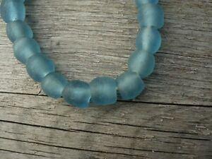 """Strang Altglasperlen 10 - 11 mm """"Light Mali Blue"""" - Recycled Glass Beads Ghana"""