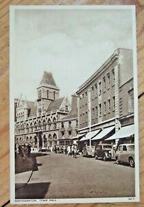 2 x UNUSED POSTCARDS NORTHAMPTON TOWN HALL/STREET SCENE + ABINGTON PARK