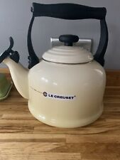 Brand New In Box LE CREUSET 2.1 LITRE TRADITIONAL KETTLE WITH WHISTLE Dune