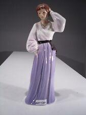 +#A011384 Goebel Archivmuster Faszination der Mode 19-015 Dame violett TMK6