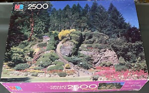 MB VINTAGE Butchart Gardens Victoria Canada 2500 Piece Jigsaw Puzzle #4870-2