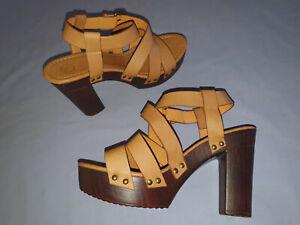 K Brand Platform High Heels Size 40 or Size 9 Leather Sandals