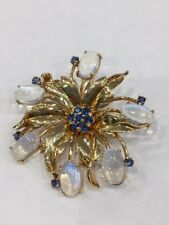 VINTAGE RETRO 14KT. YELLOW GOLD MOONSTONE AND SAPPHIRE PIN