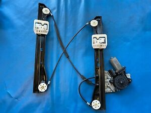 BMW Mini One/Cooper/S Right Side Window Mechanism (Part# 9800566) R60 Countryman