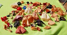 Habits , accessoires et perruque de poupée Peynet ancien vendu en l'état