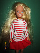 B430-LACHENDE VINTAGE SKIPPER BARBIES SCHWESTER MATTEL 1984 SKIPPER-KLEID LABEL