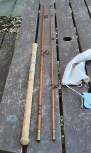A VINTAGE 10FT SPLITCANE AVON ROD BUILT ON A CHAPMAN 500 BLANK NICE ROD
