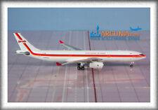 """Phoenix 1:400 Garuda Airbus a330-300 """"Retro - PK-GHD"""" 11524"""
