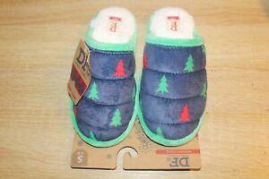 NEW Dearfoam Womens Holiday Scuff Slippers Christmas Trees