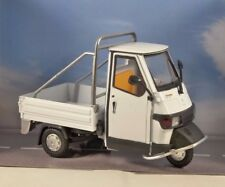 PIAGGIO APE CROSS 50 in White 1/18 scale model by NEWRAY