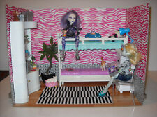 Terribly Terrific Teen Hangouts - Diorama Rooms for Monster High, Punk, Rock 1:6