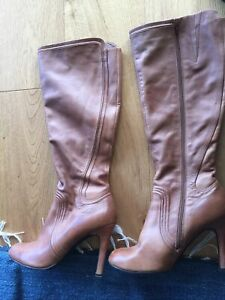Worn Once Jo Mercer Knee Length Zip Very Soft Tan Boots 10.5 Leather