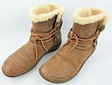 Genuine Ugg boots Size UK 7/7.5 EU41 - Boxed with original packaging.