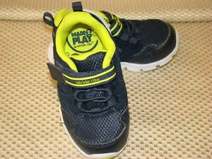 Stride Rite Boys M2P Taylor Sneakers Shoes  Dark Navy & Neon Yellow Size 6 M