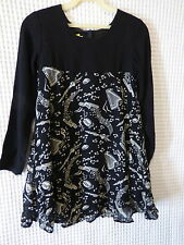 80s-90s Girls black/white Musical theme rayon dress sz 10 27 breast