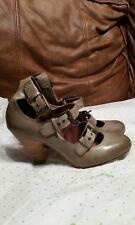 Strappy heels sz.9 sz.40 Aldo Mushroom/Oyster leather trio buckle caged shoes