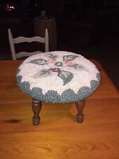Vintage Hand Done Crewel Needlepoint Flowers Foot Stool Bench Wool 15 shabby